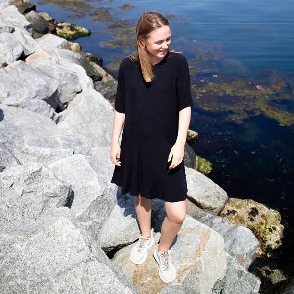 Bilde av Designers Remix Girls  - LR Freja Dress svart